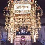 滋賀県高島市のお寺様に、立派な人天蓋と幢幡を設置させていただきました