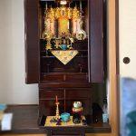 伝統とモダンのバランスを、ご希望に沿って調整した紫檀系仏壇。真宗仏光寺派、滋賀県米原市のお客様