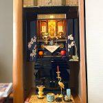 彦根市のお客様より、モダン金仏壇「花菱」をご購入いただきました。真宗大谷派、伝統的な仏具を揃えたこだわりのお仏壇