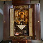 金仏壇と唐木仏壇の良いところをあわせ持った、真宗大谷派のお仏壇。掛け軸の保存もご依頼、滋賀県犬上郡甲良町のお客様
